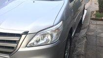 Cần bán lại xe cũ Toyota Innova sản xuất 2014, màu bạc