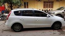 Cần bán lại xe Hyundai i30 sản xuất năm 2011, màu trắng, xe nhập