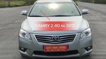 Cần bán xe Toyota Camry 2.4G đời 2011, màu ghi xám