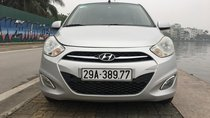 Hyundai i10 màu bạc số sàn, nhập khẩu nguyên chiếc