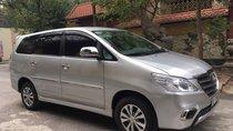 Bán xe Toyota Innova 2.0E sản xuất 2015, màu bạc