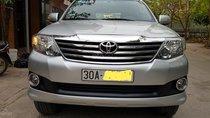 Cần bán lại xe Toyota Fortuner đời 2014, màu bạc số tự động