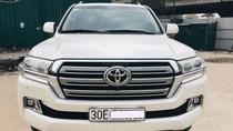 Toyota Land Cruise 4.6 VX, màu trắng, model và đăng ký 2017, biển Hà Nội, giá cực tốt. LH: 0906223838