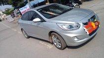 Cần bán xe Hyundai Accent đời 2015, màu bạc, xe nhập còn mới