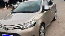 Cần bán Toyota Vios đời 2017, màu vàng