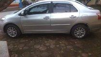 Cần bán Toyota Vios năm 2010, màu bạc, chạy ngon lành