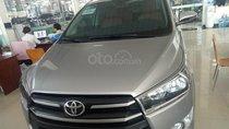 Cần bán Toyota Innova 2.0E MT đời 2017, màu bạc