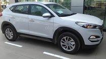 Cần bán xe Hyundai Tucson 2.0 AT sản xuất 2019, màu trắng, mới 100%