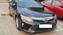 Bán Toyota Camry 2.5Q đời 2018, màu đen biển Hà Nội