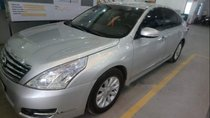 Cần bán gấp Nissan Teana đời 2010, màu bạc