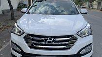 Santa Fe 2.4 4WD đời 2015 màu trắng, bản nhập khẩu.