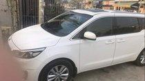 Cần bán gấp Kia Sedona năm sản xuất 2016, màu trắng, xe ít đi còn như mới