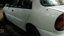 Cần bán gấp Daewoo Lanos 1.5 MT sản xuất năm 2000, màu trắng, máy tốt