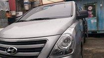 Bán Hyundai Grand Starex đời 2016, màu bạc