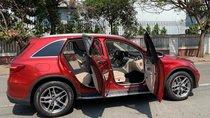 Bán xe Mercedes GLC300 đỏ 2017 cũ chính hãng, trả trước 800 triệu nhận xe ngay