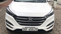 Bán ô tô Hyundai Tucson đời 2016 màu trắng, bản đặc biệt 2.0, nhập khẩu, biển HN