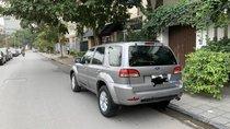 Bán xe chính chủ Ford Escape năm 2013, màu xám ít sử dụng, 518 triệu