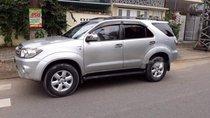Cần bán Toyota Fortuner đời 2009, màu bạc chính chủ