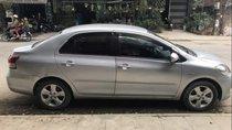 Cần bán Toyota Vios E 2008, màu bạc xe gia đình