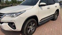 Gia đình bán Toyota Fortuner đời 2018, màu trắng
