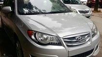 Cần bán xe Hyundai Avante sản xuất 2015, màu bạc, xe nhập như mới