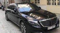 Bán xe Mercedes S500 đời 2015, màu đen như mới