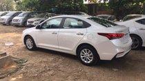 Hyundai Accent 1.4 MT màu trắng xe giao ngay, giá KM kèm quà tặng có giá trị, hỗ trợ vay trả góp .LH:0903175312