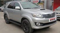 Cần bán Toyota Fortuner 2.5MT sản xuất năm 2015, màu bạc
