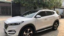 Cần bán xe Tucson Turbo máy 1.6 sản xuất 2017, số tự động, màu trắng