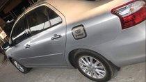 Cần bán lại xe Toyota Vios đời 2011, màu bạc, xe đẹp