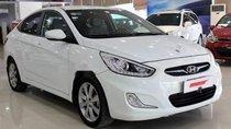 Cần bán xe Hyundai Accent 2013 nhập khẩu nguyên chiếc, số sàn, màu trắng
