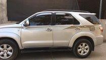 Cần bán xe Toyota Fortuner 2009 số sàn, máy dầu, màu bạc
