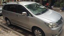 Cần bán xe Toyota Innova 2.0V sx 2010 số tự động màu bạc