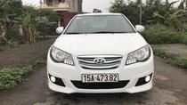Cần bán Hyundai Avante đời 2015 màu trắng