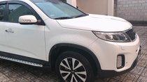 Cần bán xe Kia Sorento DATH 2017 máy dầu màu trắng