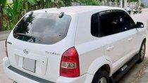 Cần bán xe Hyundai Tucson đời 2005, màu trắng, nhập khẩu Hàn Quốc số sàn