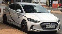 Cần bán xe Hyundai Elantra đời 2017, màu trắng, nhập khẩu nguyên chiếc, giá chỉ 490 triệu