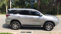 Cần bán Toyota Fortuner 2.7V đời 2018, màu bạc, nhập khẩu nguyên chiếc số tự động