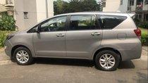 Cần bán lại xe Toyota Innova E 2017, số sàn