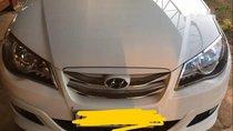 Cần bán Hyundai Avante sản xuất năm 2012, màu trắng như mới