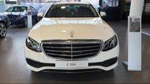 Cần bán Mercedes E200 sản xuất năm 2019, màu trắng