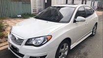 Cần bán lại xe Hyundai Avante 2015, màu trắng số tự động