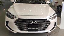 Cần bán xe Hyundai Elantra 2.0 AT đời 2019, màu trắng