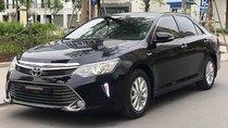 Cần bán gấp Toyota Camry 2.0E sản xuất năm 2016, màu đen, giá tốt
