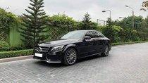 Chính chủ cần bán Mercedes C300 đời 2018, màu đen, nhập khẩu nguyên chiếc