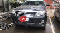 Cần bán Toyota Fortuner V đời 2013, màu đen