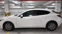 Cần bán xe Mazda 3 năm 2015, màu trắng chính chủ, 565tr