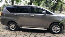 Cần bán lại xe Toyota Innova đời 2016, màu bạc