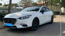 Bán xe Mazda 3 đời 2017, màu trắng như mới