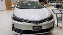 Bán ô tô Toyota Corolla Altis 1.8V 2019, màu trắng, giá tốt